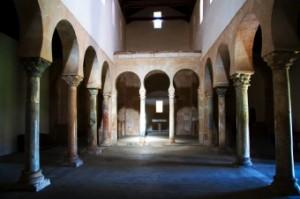 Interior de San Miguel de Escalada